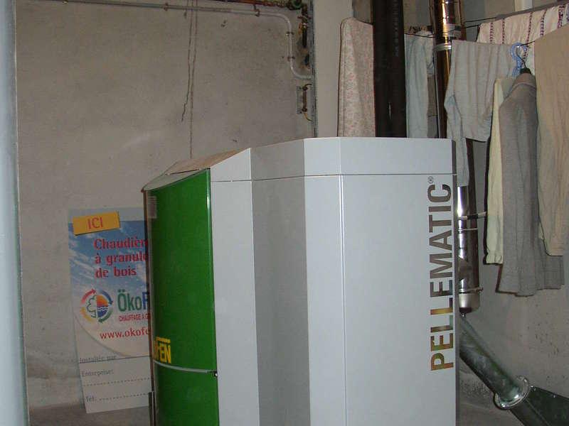 ARBONNE, mai 2011. Dans cette rénovation, nous avons remplacés la chaudière fioul par une chaudière OKOFEN de  20 KW.