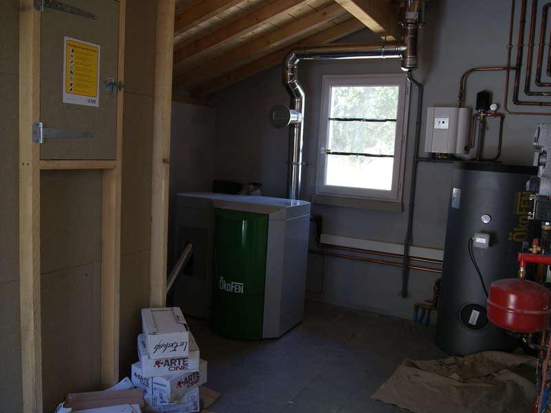 SAINT PEE/NIVELLE, vieille route de St Pee. Juillet 2015. Dans cette maison neuve, nous avons installés une chaudière OKOFEN de 12 KW.