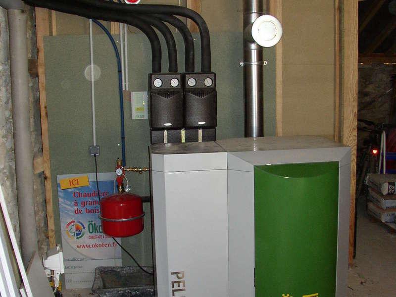 BELUS (40) décembre 2011. Dans cet ancien corps de ferme, nous avons installés une chaudière OKOFEN de  25 KW