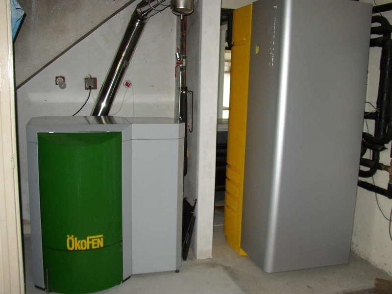 VILLEFRANQUE, novembre 2011. Dans cette maison où nous avions déjà installés un combi solaire CLIPSOL, nous avons remplacés la chaudière propane par la chaudière OKOFEN de 8 KW