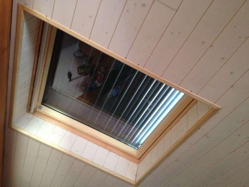Fenêtre de toit Vélux avec volet roulant