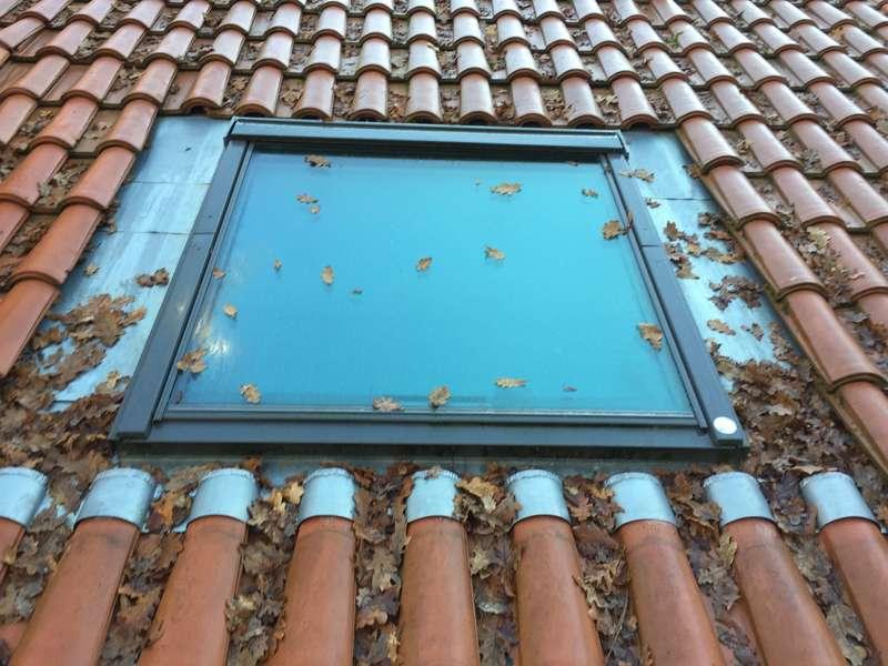 Fenêtre de toit Vélux avec entourage zinc