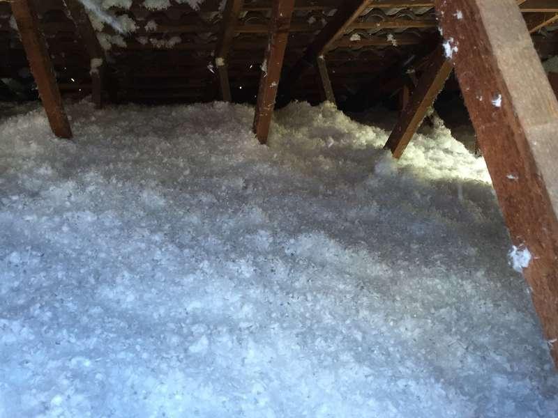 Isolation comble perdu en laine de verre soufflée