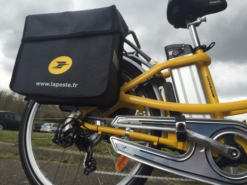 The bike given by La Poste in order to run our experiments