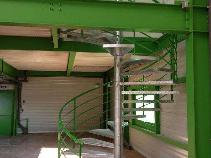 escalier_metallique20200616-1642527-tda86f