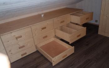 petits tiroirs en sous-pente