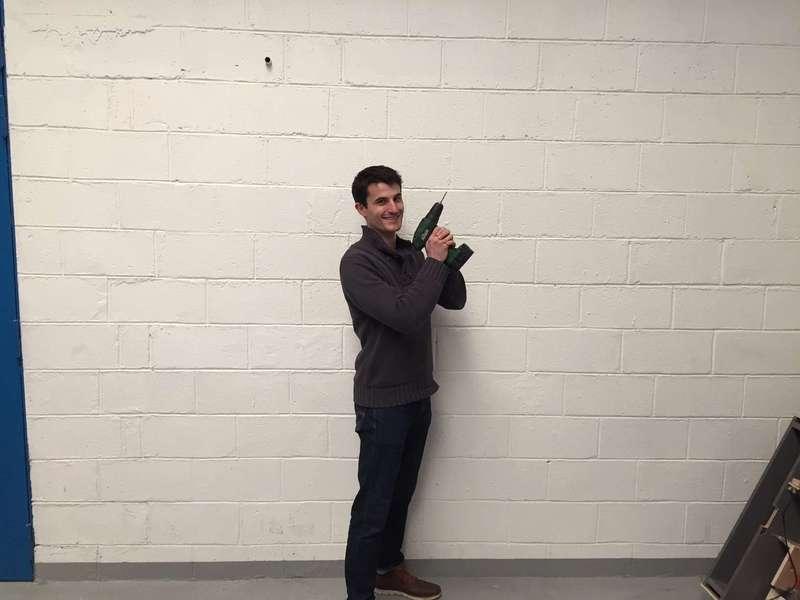 Laurent, arrivé en février, passe à la séance photo