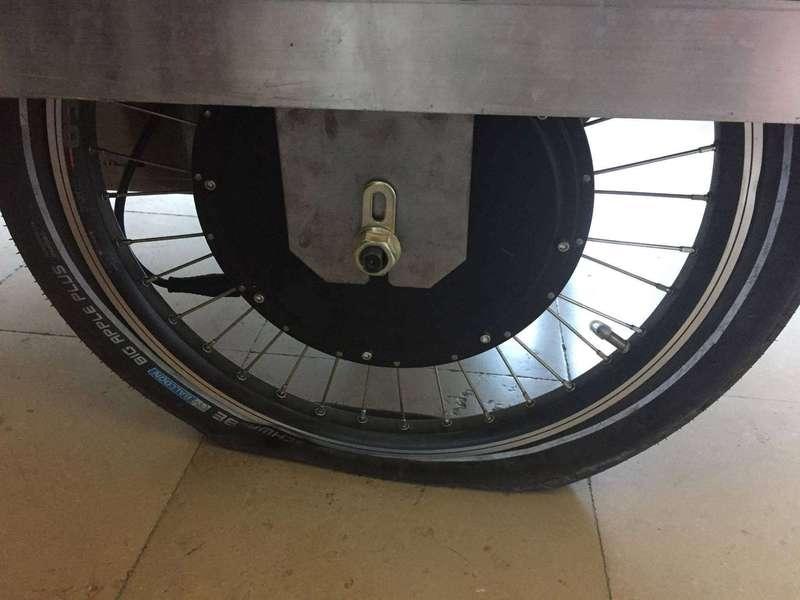 Premier pneu crevé, un bon test !